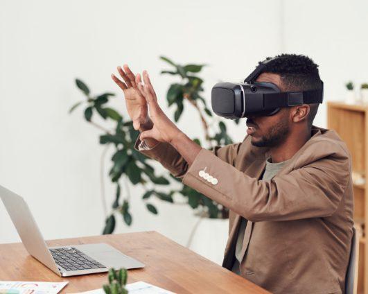 Полное погружение: использование VR и AR технологий в современном образовании